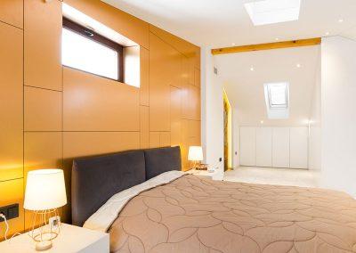 Спалнята с иконата
